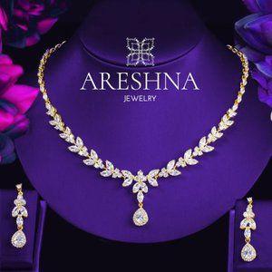 18K Gold Swarovski Crystals Luxury Necklace